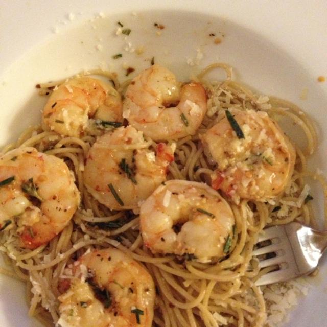 Spicy Garlic Rosemary Shrimp & Pasta