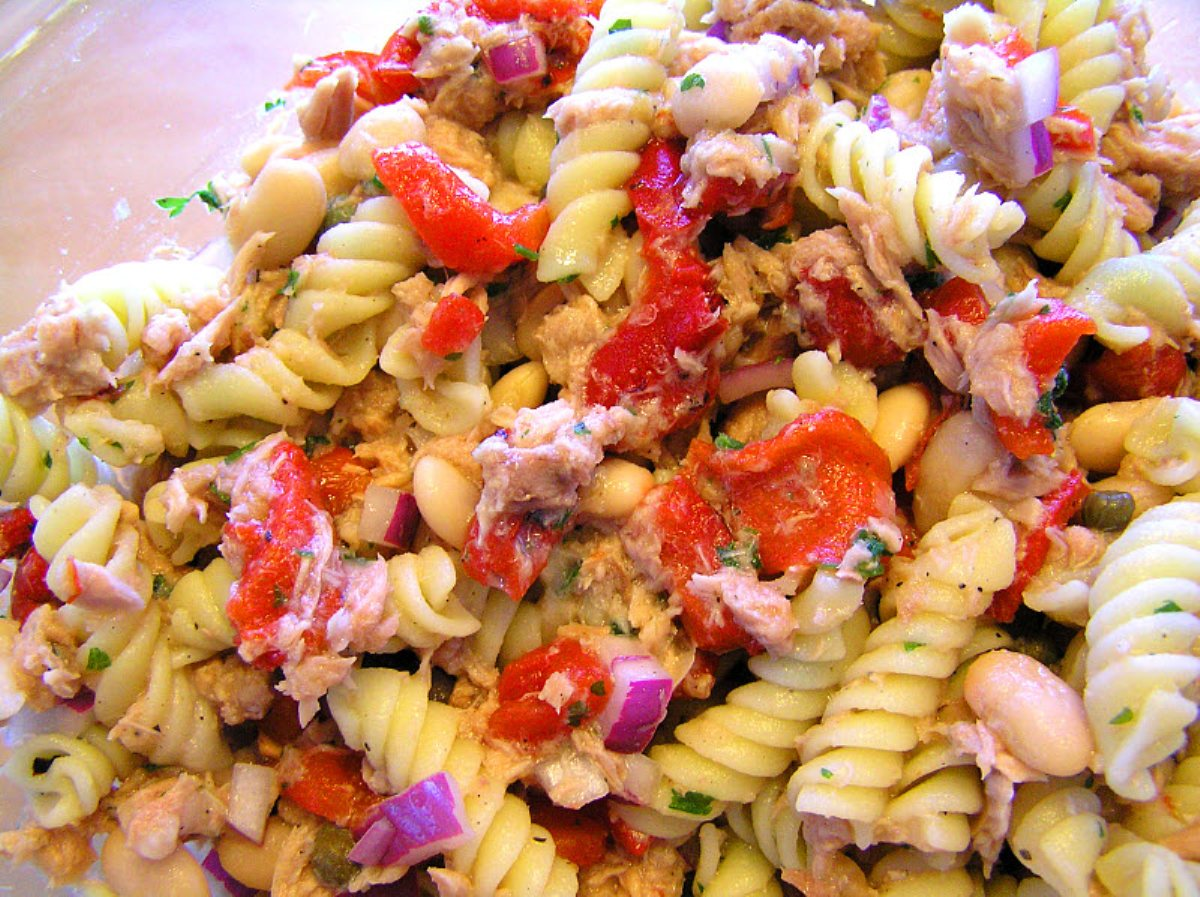 tuna macaroni salad tuna pasta salad toss tuna celery and egg pasta ...